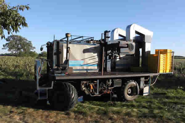 Korvan 8600 – Over the Row Harvester